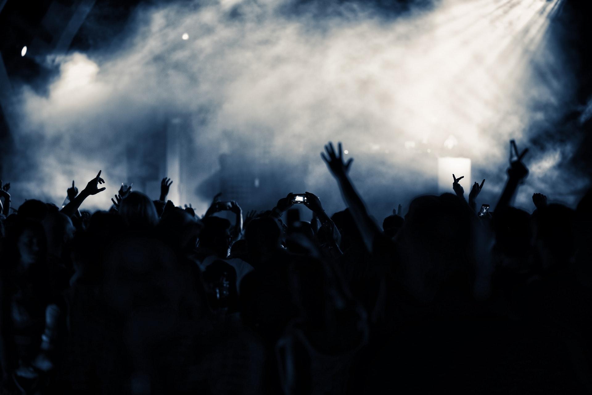 audience-backlit-blue-2078071