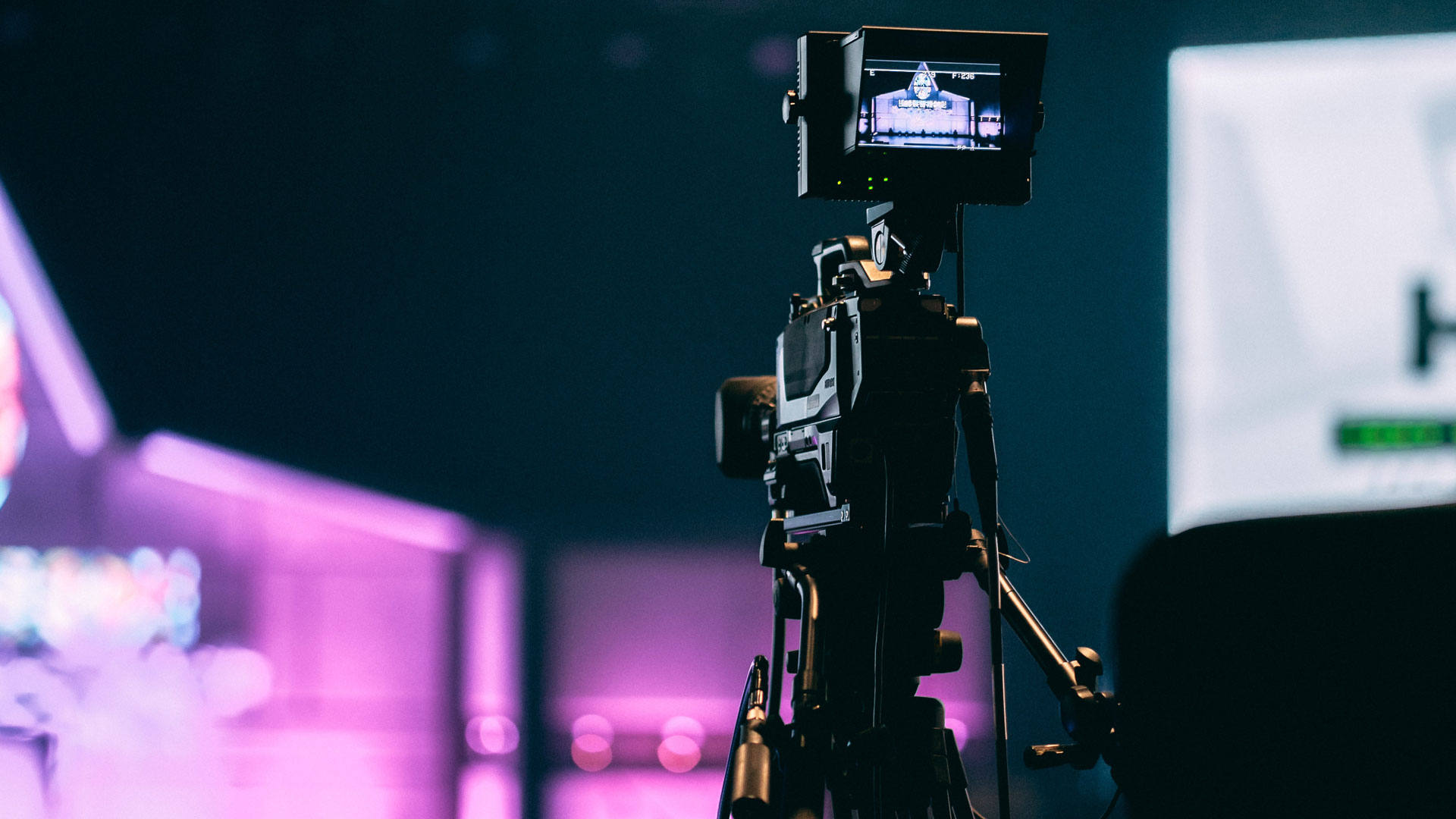3 Steps To Make The Video Of Musical Worship More Engaging Online