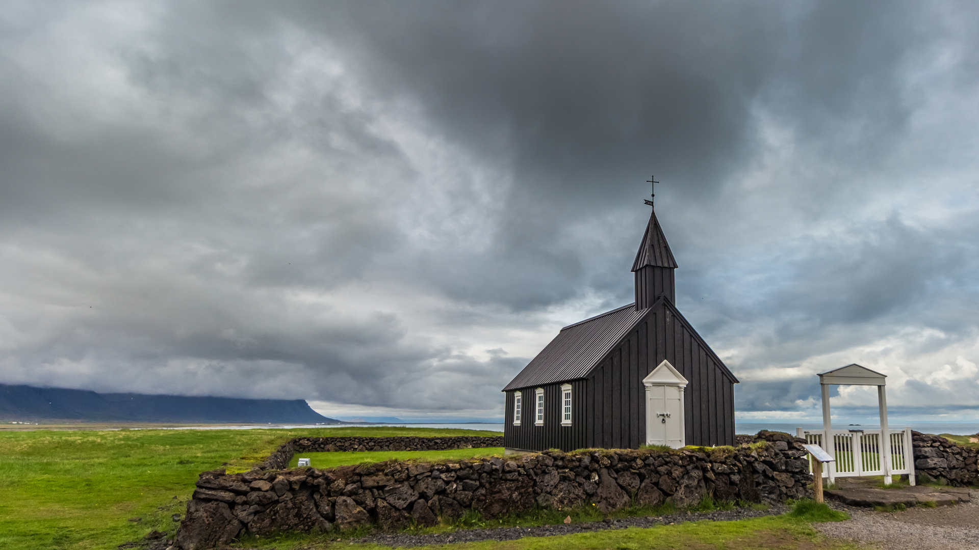 BETA28: Four Reasons Your SMALL Church Can Thrive, Phygitally
